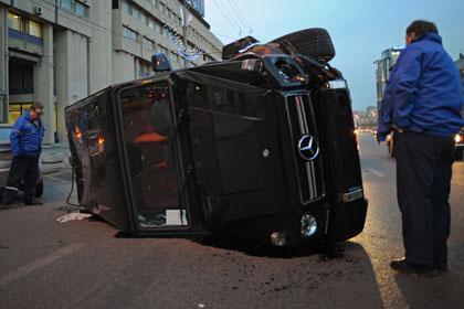 ЛДПР предложила отбирать машины у пьяных виновников ДТП