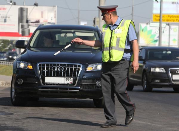 Управделами президента: думские водители автопарка соблюдают ПДД