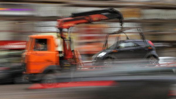 Депутаты Петербурга позаботятся о водителях эвакуируемых машин