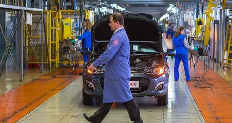 АвтоВАЗ повысил цены на свою продукцию на 2,8%