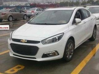 Новый Chevrolet Cruze пойман без камуфляжа